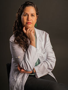 Ana Camila de Castro Gandolfi - Neurocirurgiã.jpeg
