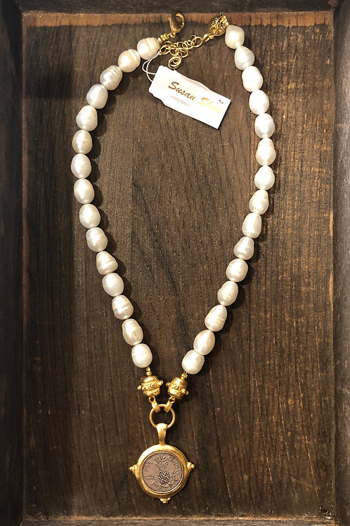 Susan Shaw Pearl Necklace with Pineapple