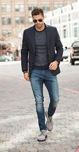 f64d433a665 En los hombres, da lugar a utilizar zapatillas, con remera y el pantalón  del traje, obviamente la definición del outfit va a ir determinada por el  estilo y ...
