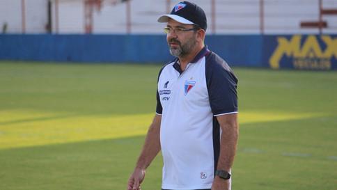 Técnico Enderson Moreira sofre infarto e é hospitalizado em MG
