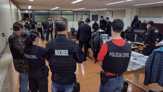 Operação é deflagrada contra envolvidos com pornografia infantil em Curitiba e São José