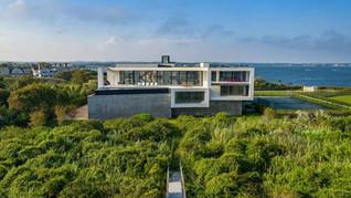 Mansão construída por brasileiros nos Hamptons está à venda por US$ 34 milhões