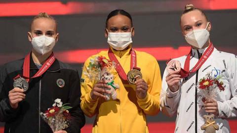 Rebeca Andrade faz história e leva ouro e prata no Mundial de Ginástica