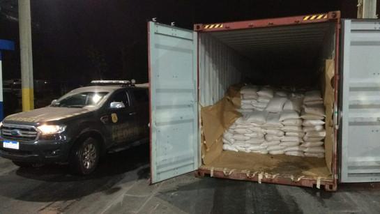 Polícia Federal apreende 329 quilos de cocaína em exportadora de Paranaguá