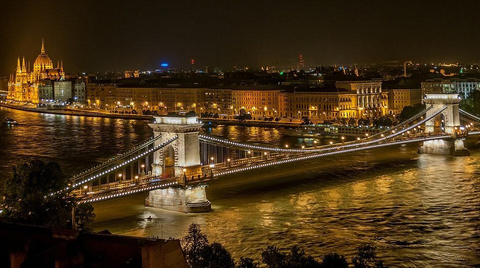 budapest-525857_1920.jpg