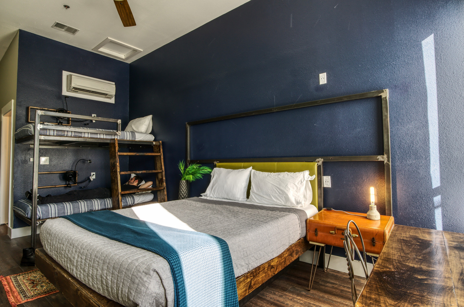 Deep Ellum Hostel Rooms