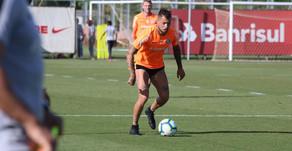 Nico López volta a treinar e se credencia à vaga de Pottker