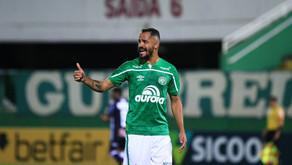 Chapecoense renova com Anselmo Ramon, artilheiro do time no ano
