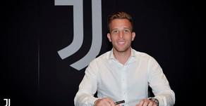 Barça anuncia venda de Arthur por R$ 442 Milhões