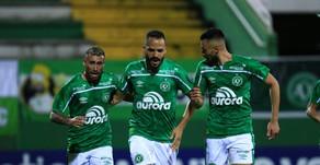 Chapecoense vence o Operário-PR e segue na liderança