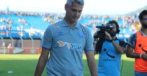 Avaí anuncia demissão do treinador Rodrigo Santana