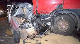 Homem morre após colisão frontal entre carro e caminhão