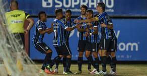 Grêmio faz 2 a 0 no Caxias fora de casa e põe uma mão na taça