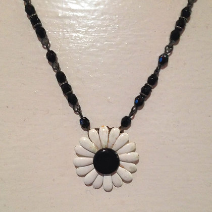 Black and White Daisy Necklace