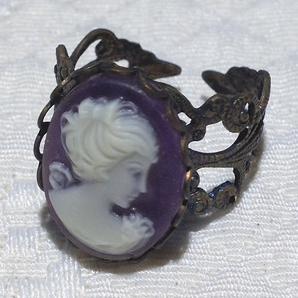 Petunia Cameo Ring