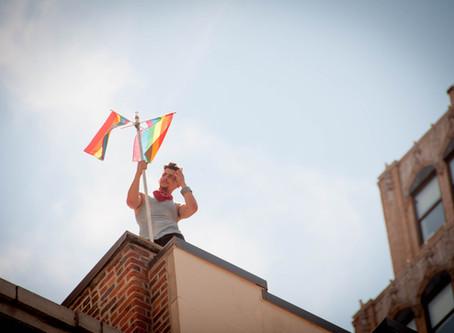Rainbow Flag 彩虹旗 (cǎihóngqí)