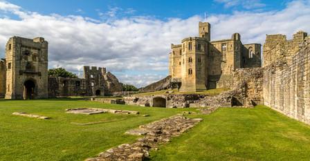 Warkworth-Castle-01.jpg