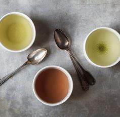 สามถ้วยชา