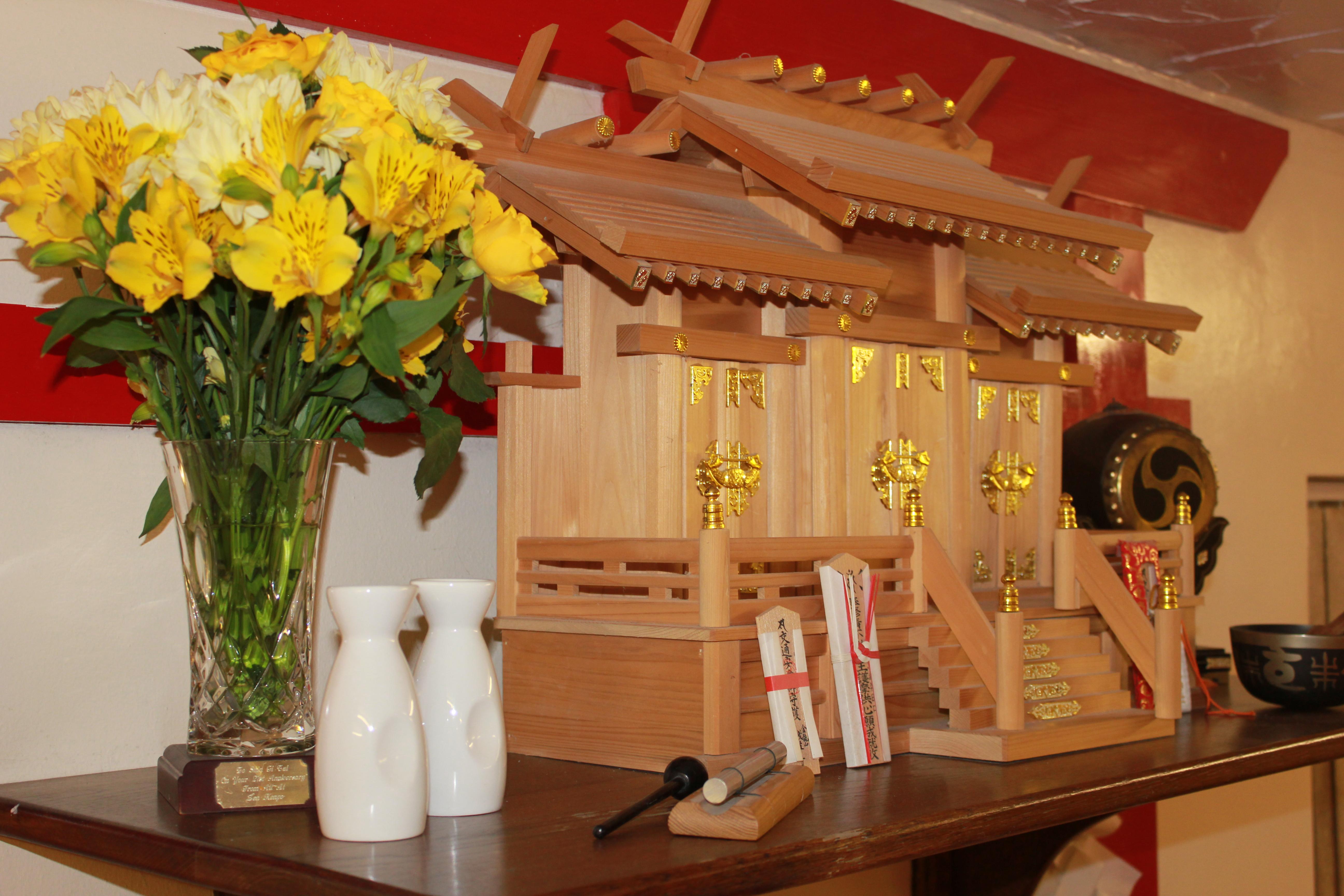 Tokumon Shelf