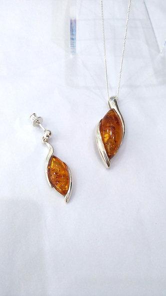 Semi-rubover Amber Pendant