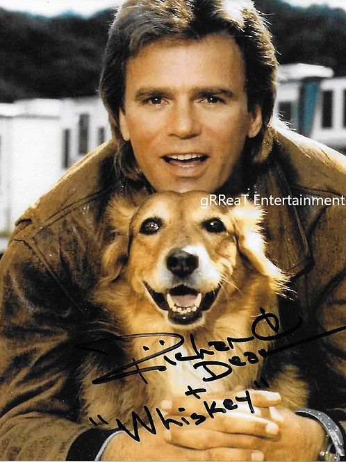 Richard Dean Anderson autographed 8 in x 10 in photo