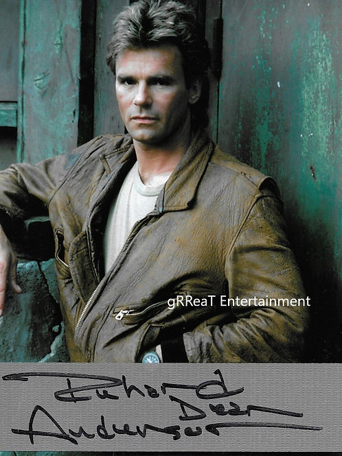 """Richard Dean Anderson RARE """"MacGyver"""" autographed 8 in x 10 in photo"""