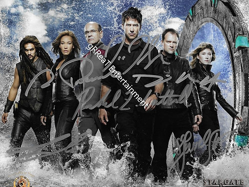 Stargate Cast autographed 10 in x 8 in photo