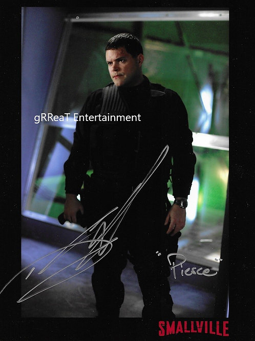 Thomas J. Welling autographed 8 in x 10 in photo