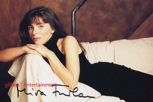 Mira Furlan autographed 10 in x  8 in photo