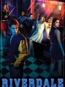 Riverdale: Cast at Pop's