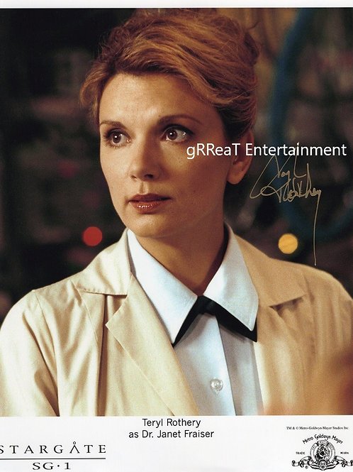 Teryl Rothery autographed 8 in x  10 in photo