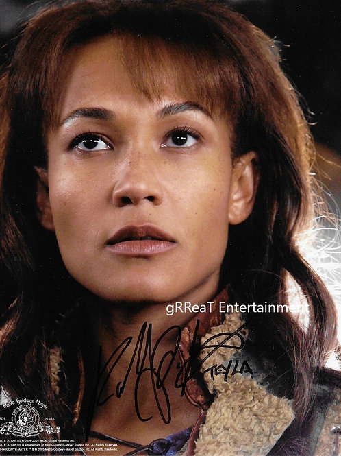 Rachel Luttrell autographed 8 in x 10 in photo