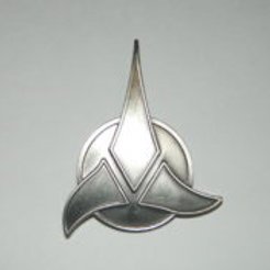 Star Trek: Next Generation Klingon Trifoil Pin 1995