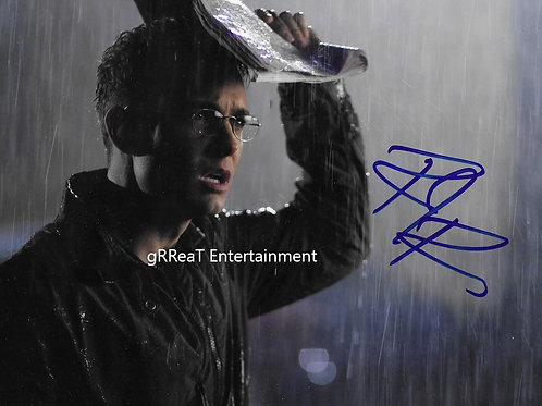 Robin Dunne autographed 10 in x 8 in photo