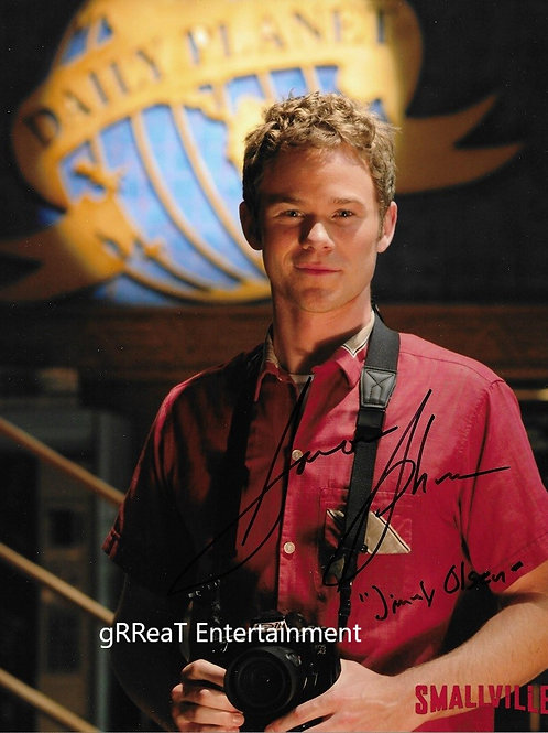 Aaron Ashmore autographed 8 in x 10 in photo