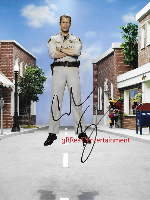 Colin Ferguson autographed 8 in x 10 in photo