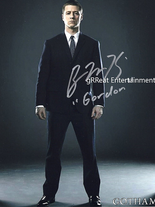 Ben McKenzie autographed 8 in x 10 in photo