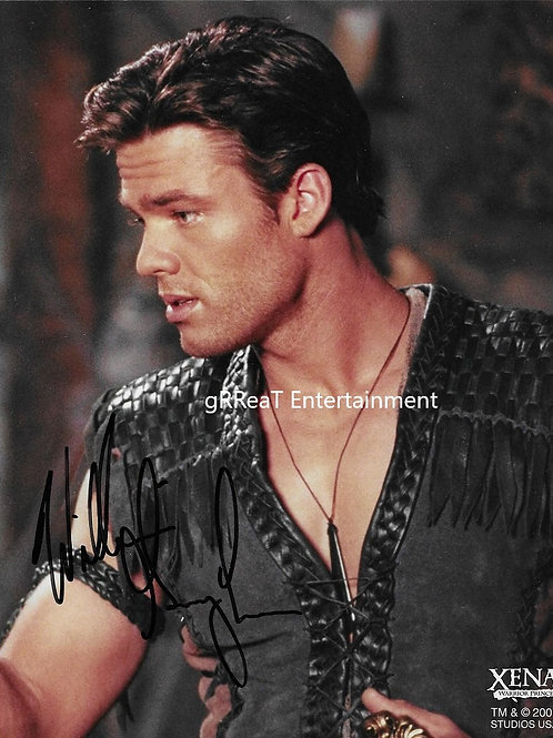 William Gregory Lee autographed 8 in x 10 in photo