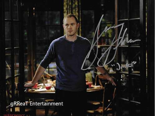 Aaron Ashmore autographed 10 in x 8 in photo