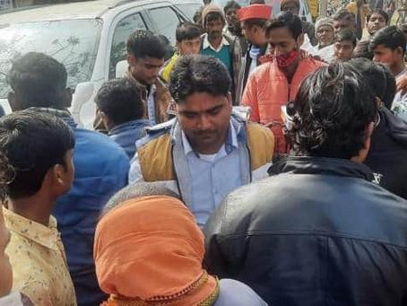 बदायूं गैंगरेप केस : कई दिन से सियासी अखाड़ा बना है पीड़िता का गांव, अफसरों ने डाला डेरा