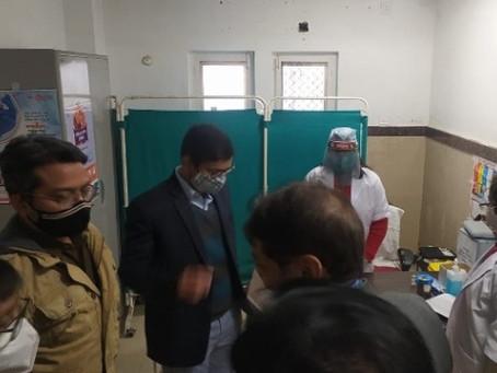 बदायूं में कोरोना योद्धाओं को मिली सुरक्षा पांच केंद्रों पर 369 लोगों को लगाया गया टीका