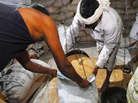 उघैती: दूसरे दिन भी नहीं हुई कोटेदार पर कार्रवाई गरीबों का गेहूं ब्लैक करने जा रहा था