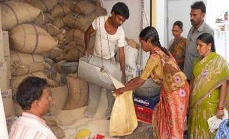 गरीबों को फ्री राशन: आज से मिलना शुरू दूसरे चरण का मुफ्त गेहूं और चावल वितरण 31 जुलाई तक