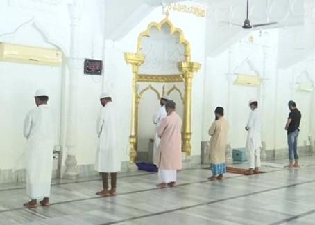 जिलेभर में शांतिपूर्ण तरीके से ईद उल-अजहा का त्योहार मनाया गया, करोना के खात्मे की मांगी दुआ