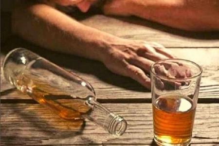 बदायूं शराब कांड लापरवाहों पर कार्रवाई आबकारी इंस्पेक्टर, थाना प्रभारी समेत चार निलंबित