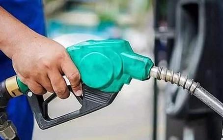 महंगाई की मार लगातार तीसरे दिन बढ़े पेट्रोल और डीजल के दाम, ज्यादातर हिस्सों में पेट्रोल 100 के पार
