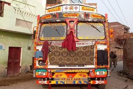 अलापुर में दो और राशन माफ़िया कोटेदारों के गोदामों में मिली गड़बड़ी, होगी रिपोर्ट