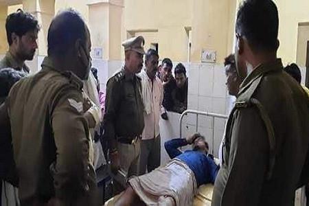 5 लाख लूट की खबर पुलिस को लगी तो अधिकारी मौके पर पहुचें सक्रिय हुयी पुलिस पूरे रोड के कैमरे खंगाले