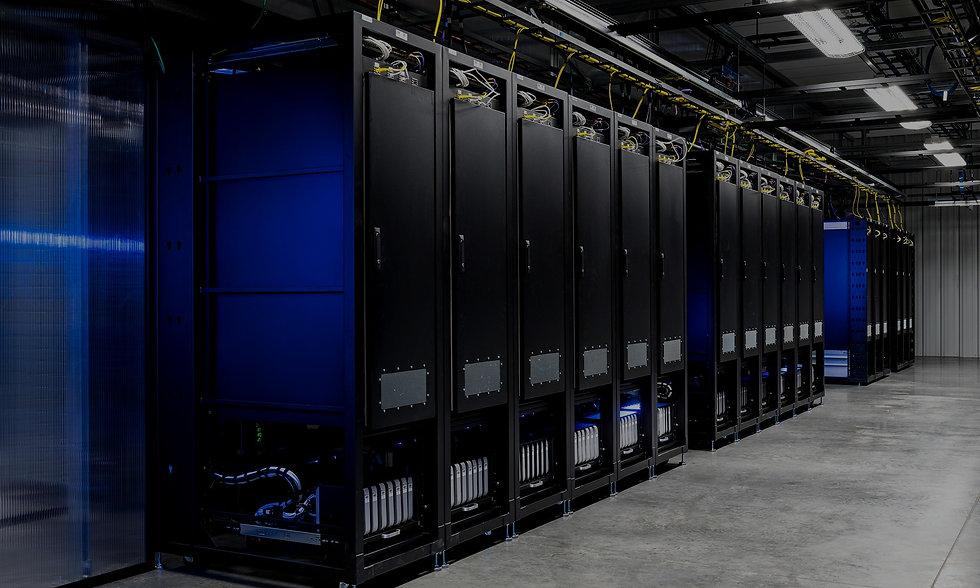 datacenter-server-449401_edited.jpg