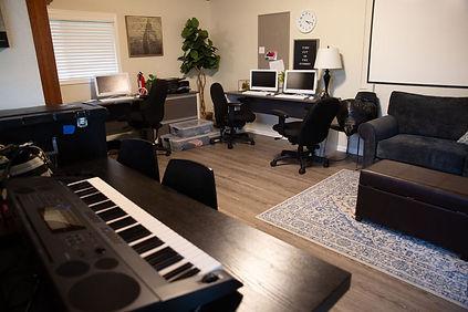 ed7_familypromiselivingroom.jpg